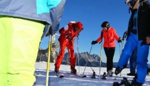 Skifahren will gelernt sein. Erfahrene Skilehrer von der Skischule Scheffau helfen dabei.